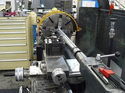 Steel shaft manually turned